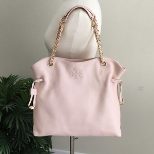 🛍TORY BURCH THEA SLOUCHY CHAIN TOTE.